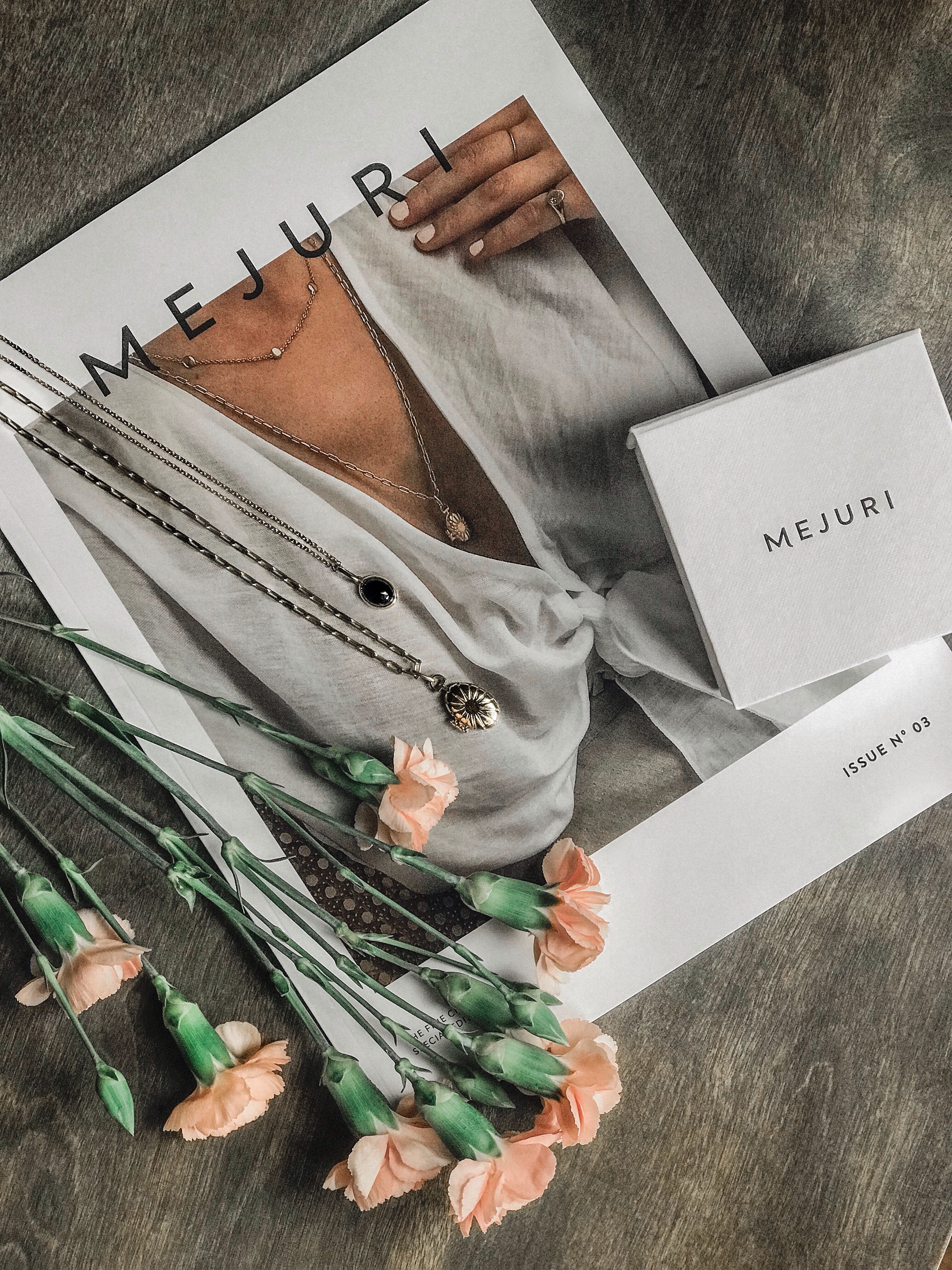 Mejuri Jewelry - Vanessa Oblinsky alt=